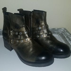 Eric Michael leather buckle boots size 9